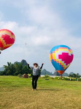燕莎热气球滑翔伞飞行